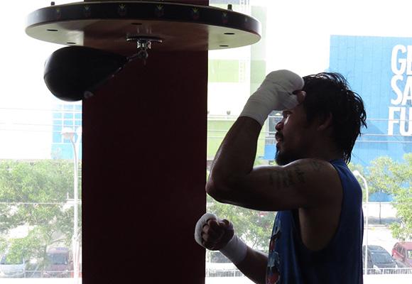 Pacquiao treina com afinco