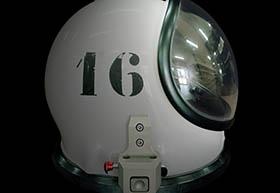 1.3-Capacete de um fato SCAPE (Self-Contained Atmospheric Protection Ensemble), Porto Espacial Europeu, CSG (Kourou, Guiana Francesa)
