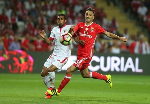 Jonas está em dúvida para o jogo de Braga