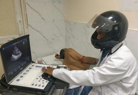Médicos já chegaram a usar capacetes em sinal de protesto