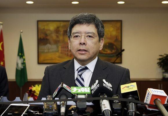 Secretário para os Transportes e Obras Públicas, Raimundo do Rosário, fala à comunicação social