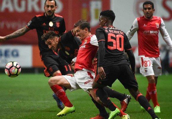 Benfica e Braga medem forças no arranque do campeonato