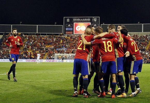 """Espanha obriga Itália a disputar """"play-off"""""""