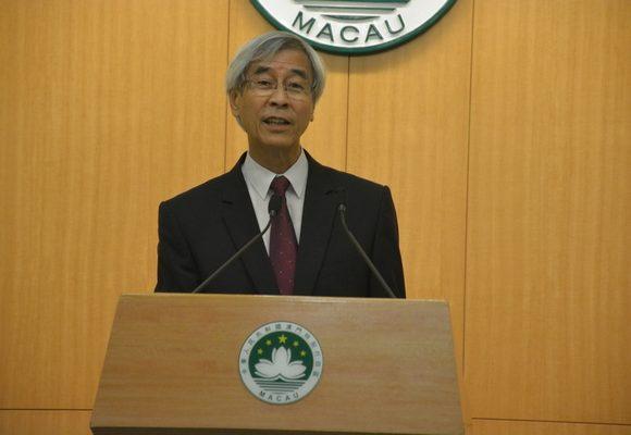 Leong Heng Teng explicou que a redução no imposto pode chegar a 5.000 patacas por funcionário