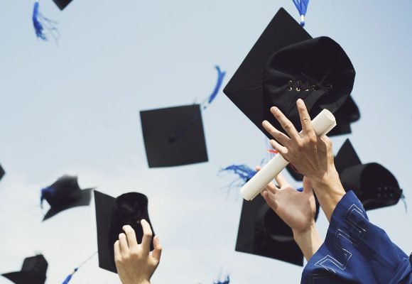 460 bolsas de mérito para Ensino Superior